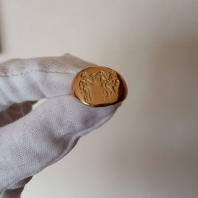 Реплика за златен пръстен на тракийски владетел