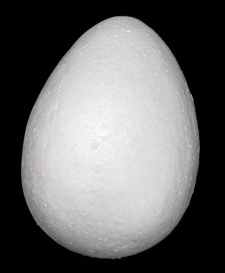 Яйце стиропор 150х110 мм за декорация -1 брой