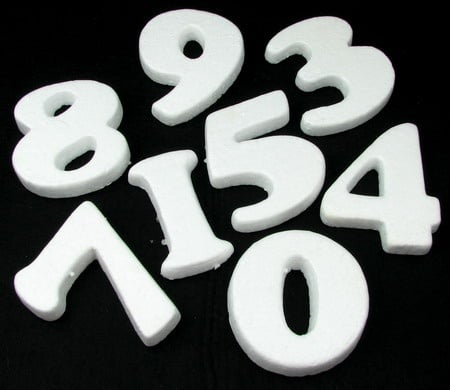 Цифри стиропор 100х100 мм комплект 0-9 за декорация -10 броя