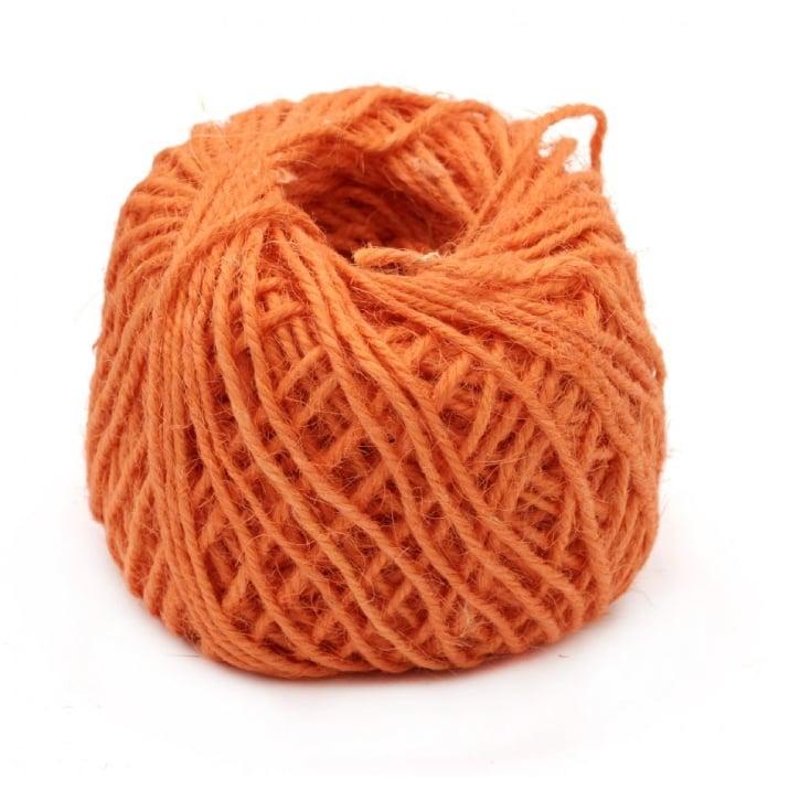 Макраме юта 2.5 мм 3 ката -50 грама ~50 метра оранжево