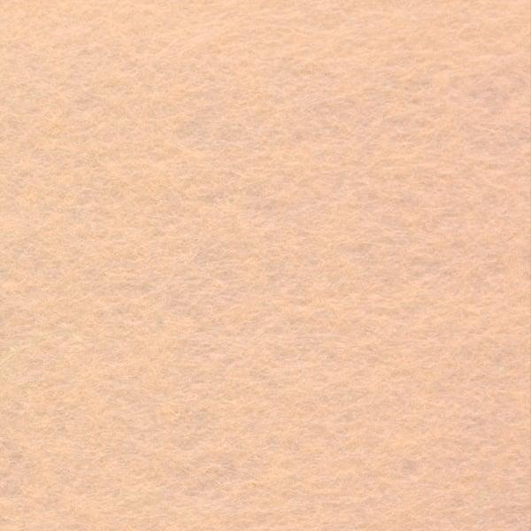 Филц лист, 20 x 30 cm х 2 mm, 100 % полиестер, 350 g/m2 Филц лист, 20 x 30 cm х 2 mm, 100 % полиестер, 350 g/m2, телесен цвят