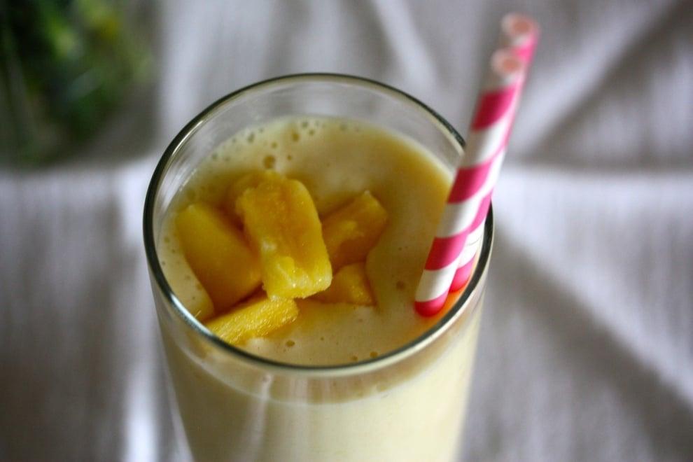 Ананасово смути за по-стегнати гърди и други здравословни ползи от ананаса
