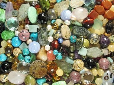 Как действат кристалите
