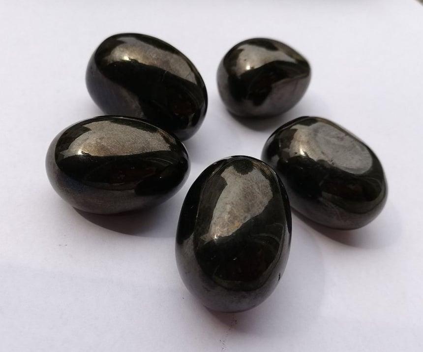 НАТУРАЛЕН ГАГАТ - един от най-силните камъни против депресия и поглъщане на негативна енергия, голям