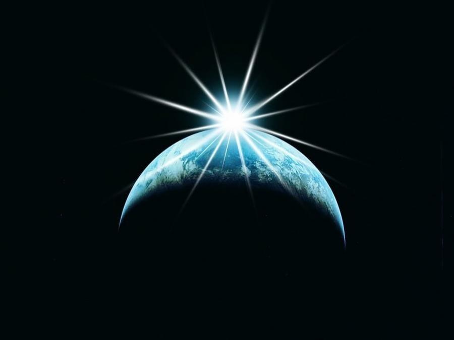 СаЛуСа: Светлината вече има доминираща позиция