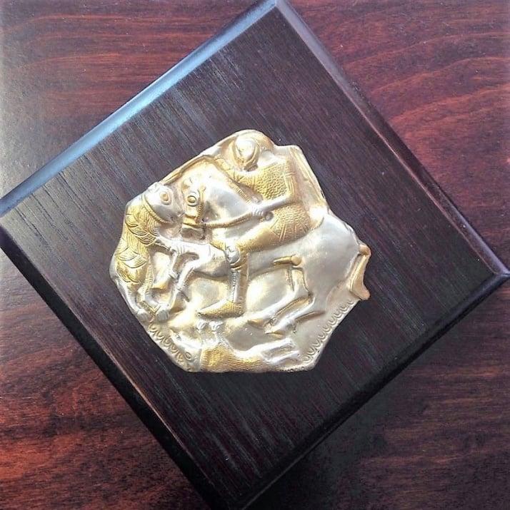 Сувенир с художествена реплика от Летнишкото съкровище, Тракийски конник