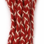 Шнур плосък плитка 8 мм 100 процента вълна цвят червен, бял -3 метра