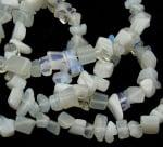Наниз полускъпоценни камъни чипс 5-7 мм ~90 см ЛУНЕН КАМЪК