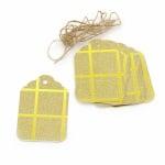 Картонени тагове 5.7x8.5 см картон брокат квадрати злато с шнур юта -12 броя
