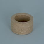 Декоративна поставка от папие маше, кръг с орнаменти, ф 5 x 3 cm